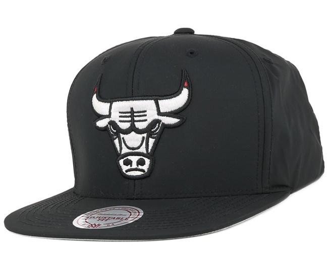 Chicago Bulls Cool Grey Sneaker Hook Snapback - Mitchell & Ness