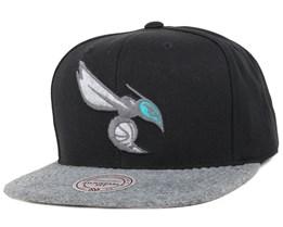 Charlotte Hornets Black/Grey Fuzz 2 Tone Snapback - Mitchell & Ness