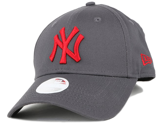 NY Yankees League Essential Woman Graphite/Scarlet 940 - New Era