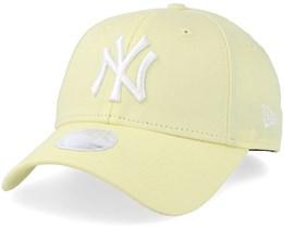 New York Yankees Women League Essential 9Forty Light Yellow/White Adjustable - New Era