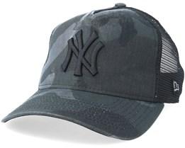 New York Yankees Curved Washed Mesh Black Camo Trucker - New Era