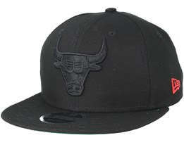 Chicago Bulls Winners Patch Black/Black Snapback - New Era