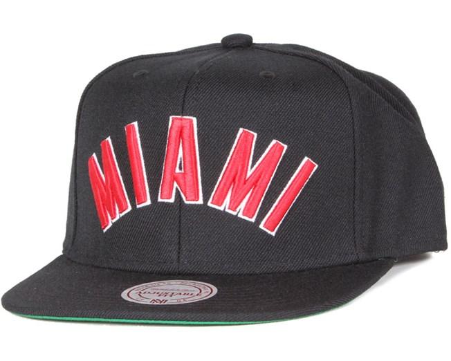 Miami Heat Wool Solid 2 Black/Red Snapback  - Mitchell & Ness