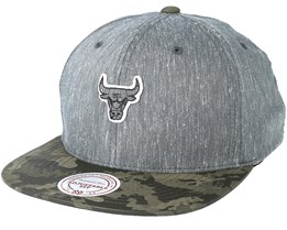 Chicago Bulls Trench Charcoal Snapback - Mitchell & Ness