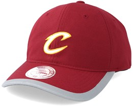Cleveland Cavaliers Running Reflective Trim Slouch Red Adjustable - Mitchell & Ness