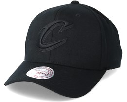 Cleveland Cavaliers Flexfit 110 Black Adjustable - Mitchell & Ness