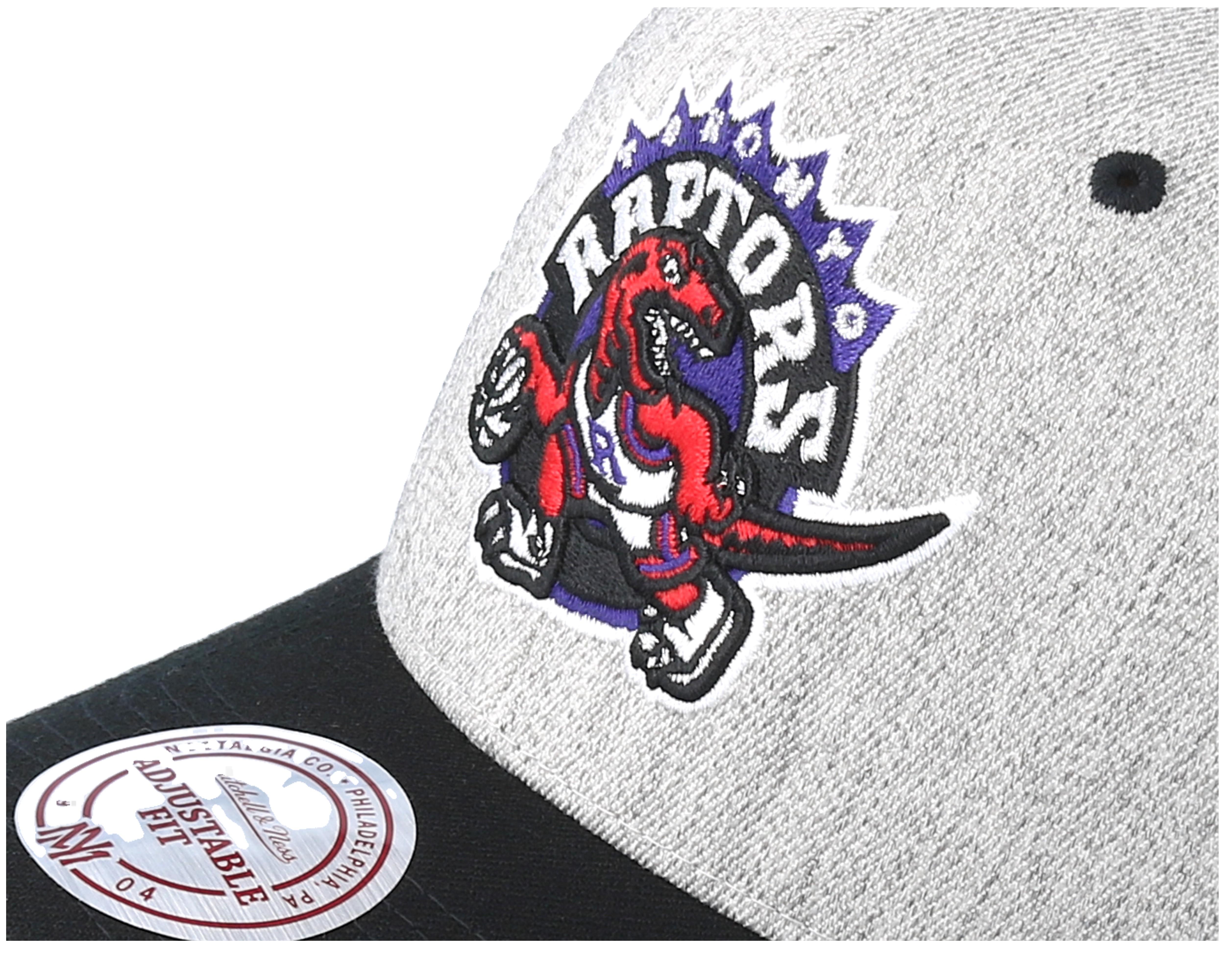 new style 47eb0 ede65 Produktbeskrivelse Toronto Raptors Team Logo 2-Tone 110 Grey Black  Adjustable - Mitchell   Ness