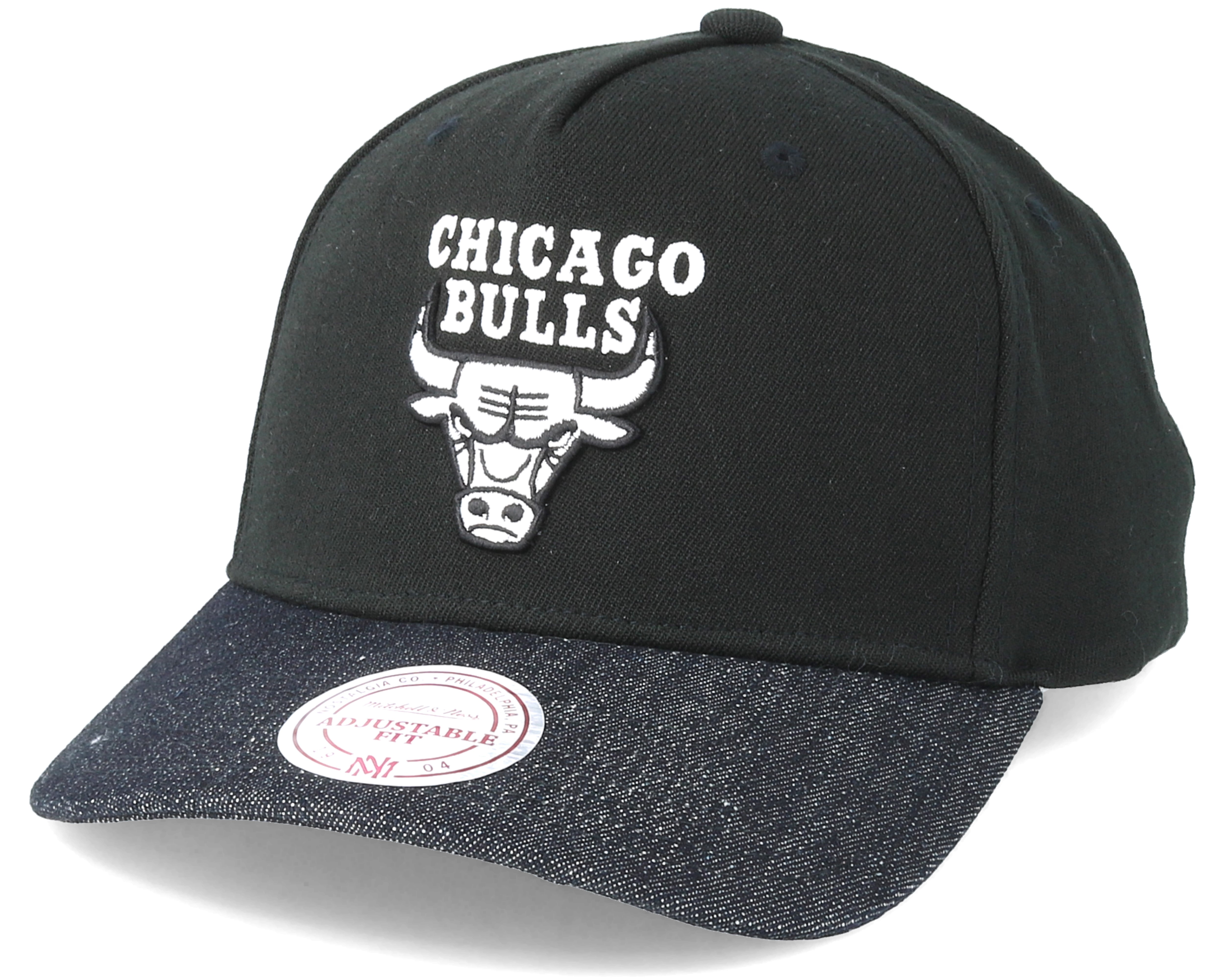 f04c06354a55b Produktbeskrivelse Chicago Bulls Denim Visor Black Adjustable - Mitchell    Ness