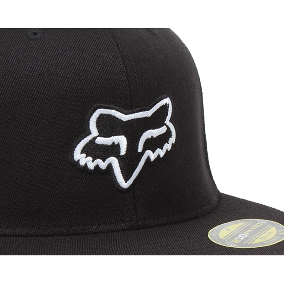 The Steez Black Fitted - Fox lippis - Hatstore.fi 33e27c2eff